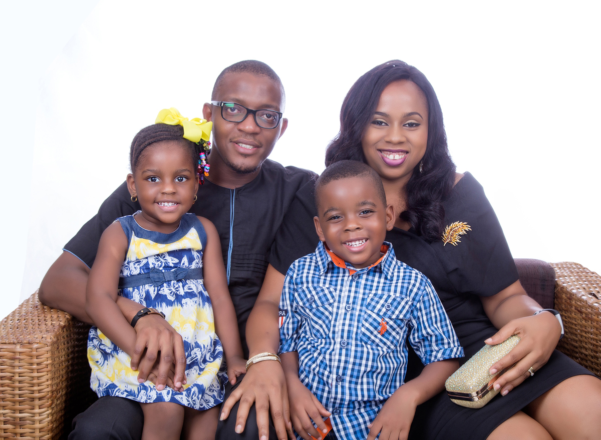 FAMILY PHOTOSHOOT; HOW TO COMBINE THE RIGHT OUTFITS FOR YOUR